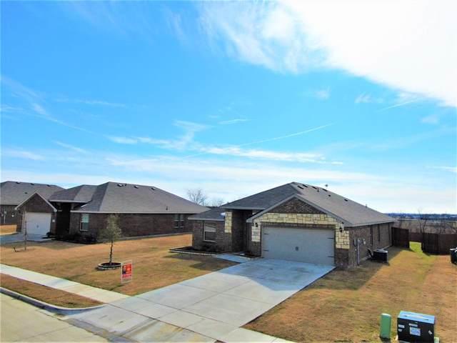 4711 Joshua Street, Sanger, TX 76266 (MLS #14263034) :: Trinity Premier Properties