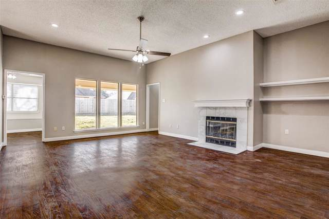 1048 Acorn Lane, Burleson, TX 76028 (MLS #14264421) :: The Chad Smith Team