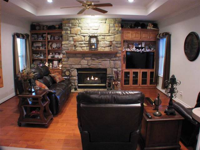 1508 Vista Verde Street, Denton, TX 76210 (MLS #14266453) :: The Kimberly Davis Group