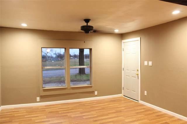 600 Water Street, Whitesboro, TX 76273 (MLS #14266596) :: Real Estate By Design