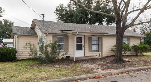 502 Oak Street, Sanger, TX 76266 (MLS #14267125) :: The Real Estate Station