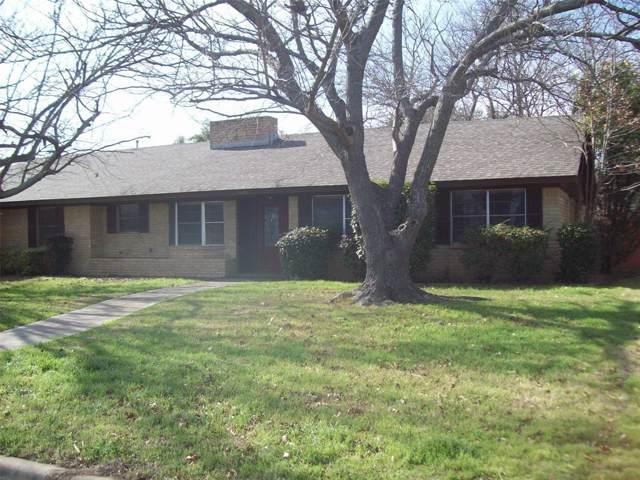 2403 10th Street, Brownwood, TX 76801 (MLS #14267645) :: The Mauelshagen Group