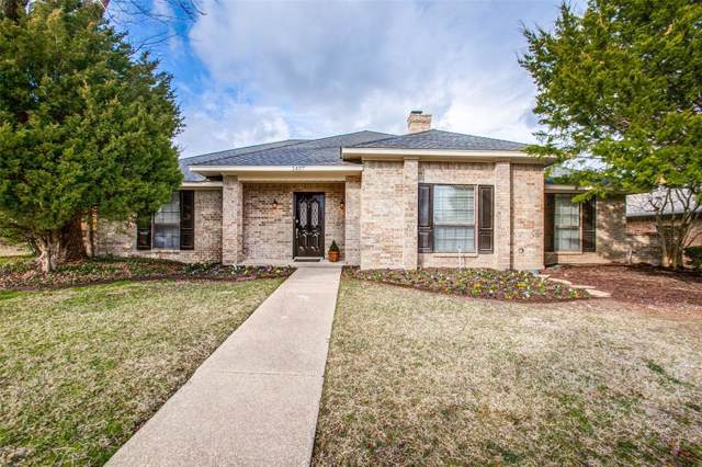 1407 Woodoak Drive, Richardson, TX 75082 (MLS #14268130) :: The Kimberly Davis Group