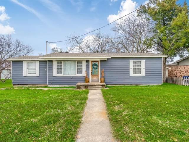 902 N Church Street, Decatur, TX 76234 (MLS #14273746) :: The Kimberly Davis Group
