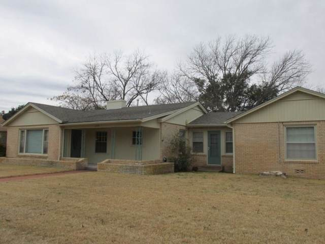 1031 W 11th Street, Brady, TX 76825 (MLS #14273975) :: Tenesha Lusk Realty Group