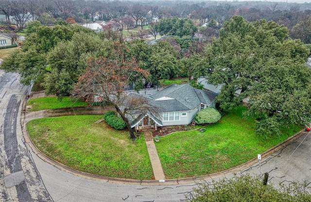 2160 W Lotus Avenue, Fort Worth, TX 76111 (MLS #14274019) :: The Kimberly Davis Group