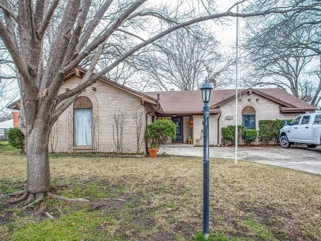 9008 Sirocka Drive, Benbrook, TX 76116 (MLS #14274380) :: Ann Carr Real Estate