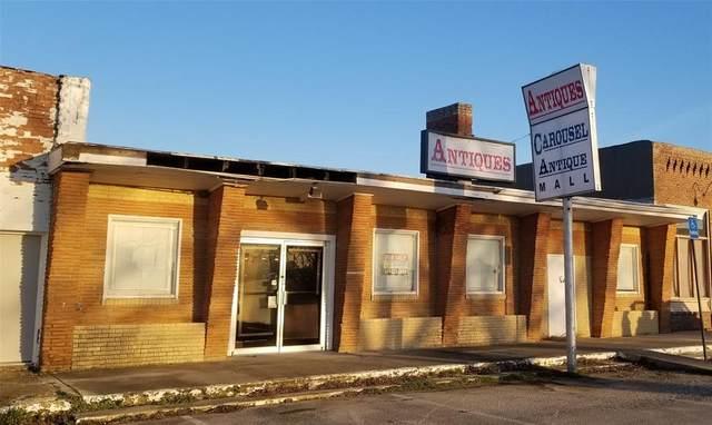 108 Mccubbin, Valley View, TX 76272 (MLS #14274766) :: The Mauelshagen Group
