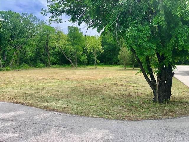 3405 Juniper Street, Flower Mound, TX 75028 (MLS #14275234) :: Ann Carr Real Estate