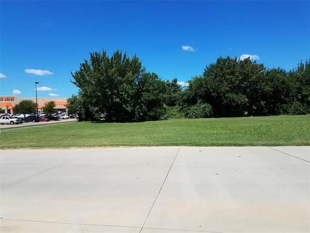6421 Precinct Line, North Richland Hills, TX 76182 (MLS #14275299) :: The Chad Smith Team