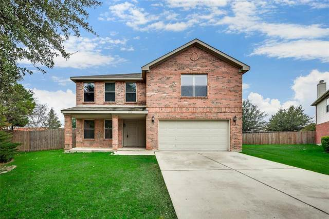 1113 Basswood Court, Saginaw, TX 76131 (MLS #14275303) :: Trinity Premier Properties