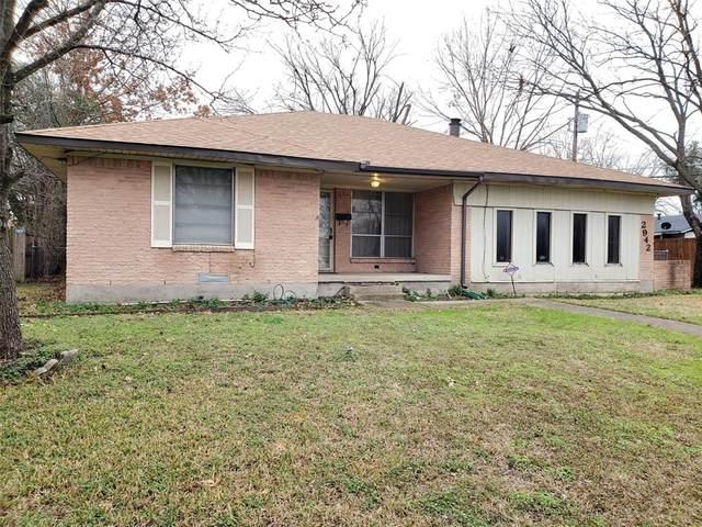 2942 Townsend Drive, Dallas, TX 75229 (MLS #14276977) :: The Kimberly Davis Group