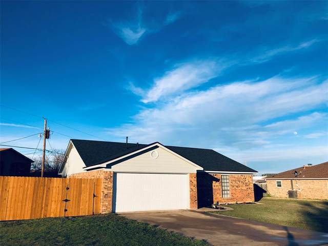 1714 Blackfoot Drive, Cleburne, TX 76033 (MLS #14277840) :: The Heyl Group at Keller Williams