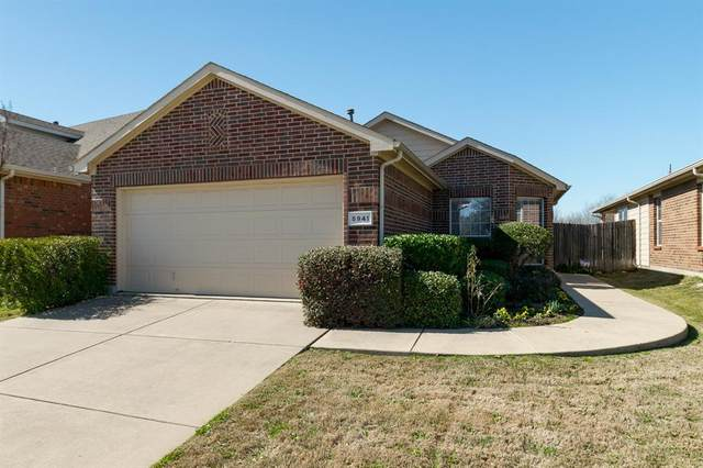5941 Missy Lane, Fort Worth, TX 76131 (MLS #14278049) :: Ann Carr Real Estate