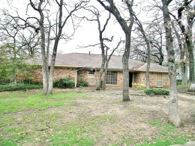 909 Chasewood Lane, Denton, TX 76205 (MLS #14278175) :: Real Estate By Design