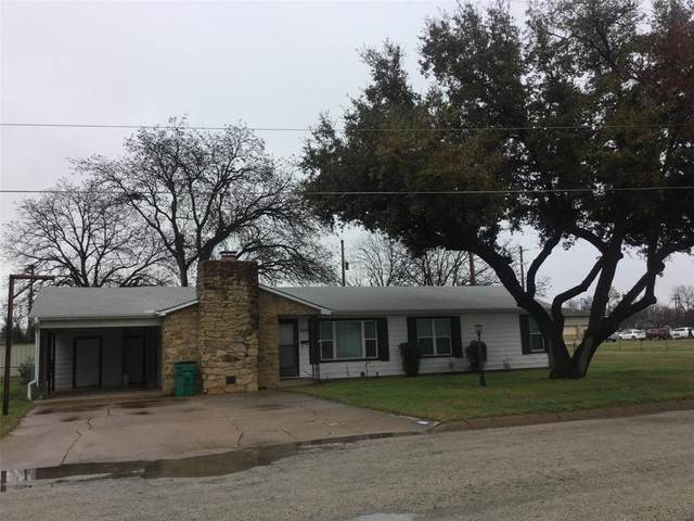 1008 W Hamilton, Olney, TX 76374 (MLS #14279089) :: The Kimberly Davis Group