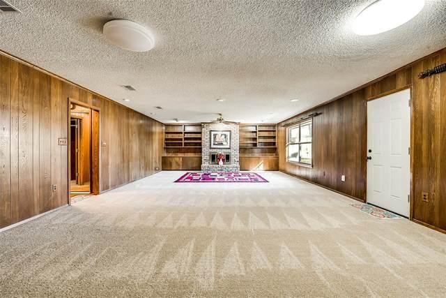 718 Danish Drive, Grand Prairie, TX 75050 (MLS #14279126) :: Ann Carr Real Estate