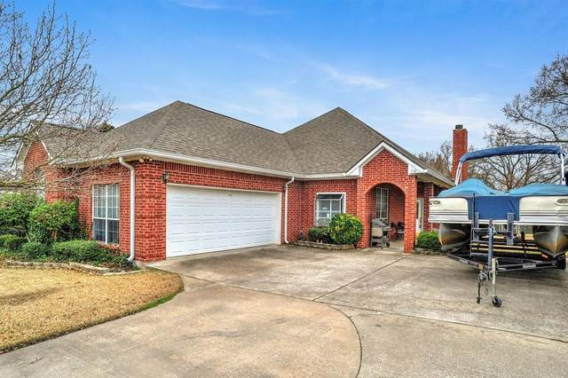 110 San Chez, Lake Kiowa, TX 76240 (MLS #14279316) :: Lynn Wilson with Keller Williams DFW/Southlake