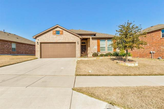 1740 Falling Star Drive, Fort Worth, TX 76052 (MLS #14279445) :: Potts Realty Group
