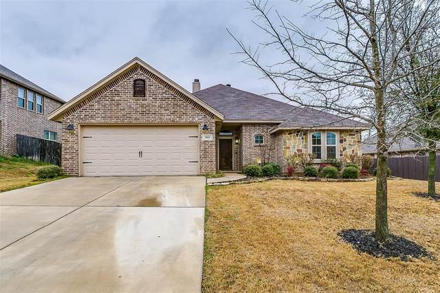 2021 Bay Laurel Drive, Weatherford, TX 76086 (MLS #14280244) :: Century 21 Judge Fite Company