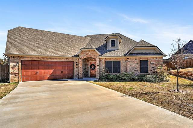 2900 Sedalia Trail, Sherman, TX 75092 (MLS #14280360) :: The Kimberly Davis Group