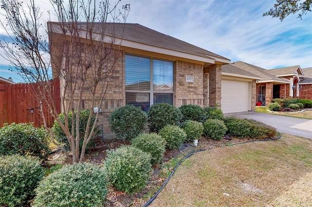 4005 Eric Drive, Heartland, TX 75126 (MLS #14280533) :: Potts Realty Group