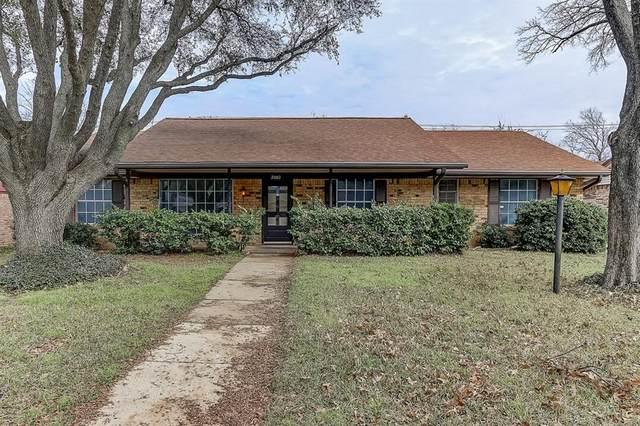 2003 San Jacinto Drive, Arlington, TX 76012 (MLS #14280648) :: Trinity Premier Properties