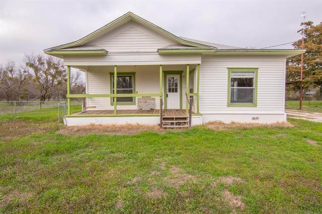 700 Oak Creek, Bangs, TX 76823 (MLS #14280911) :: The Chad Smith Team