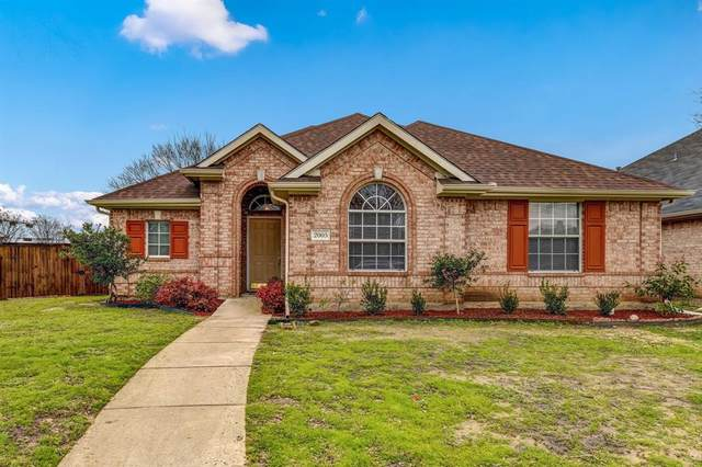 2005 Reddenson Drive, Carrollton, TX 75010 (MLS #14281053) :: RE/MAX Landmark