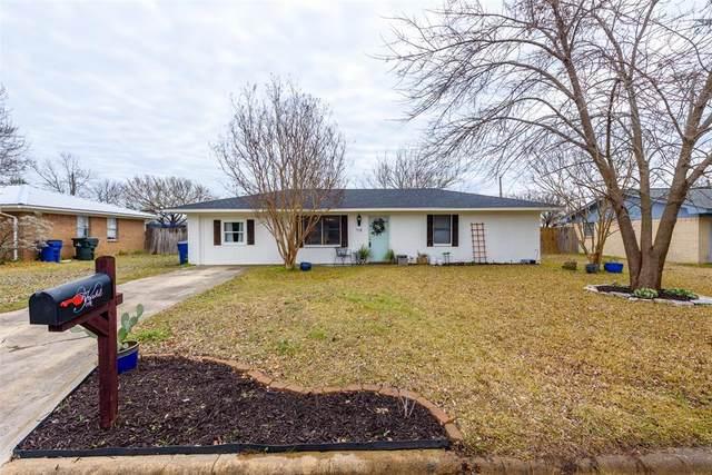 118 Southmeadow Drive, Sanger, TX 76266 (MLS #14281094) :: The Mauelshagen Group