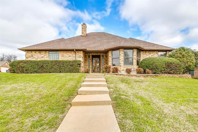 620 Linda Drive, Burleson, TX 76028 (MLS #14281118) :: The Good Home Team
