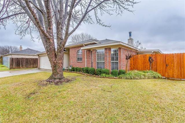 10713 Edgewater Drive, Benbrook, TX 76126 (MLS #14281472) :: Hargrove Realty Group