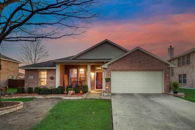 215 Pinewood Trail, Forney, TX 75126 (MLS #14281637) :: RE/MAX Landmark