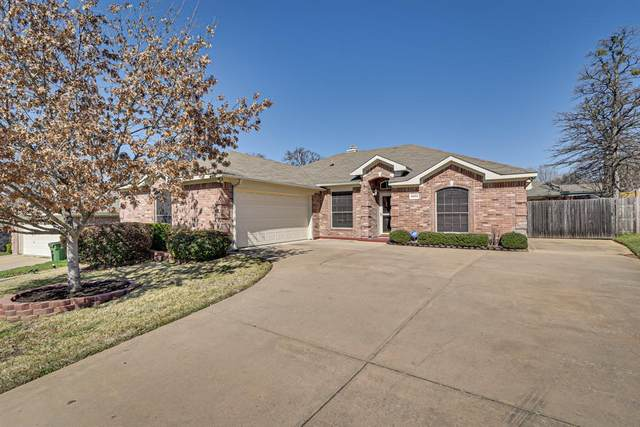 4903 Bayberry Drive, Arlington, TX 76017 (MLS #14282105) :: The Rhodes Team
