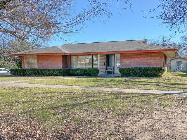 409 Cooper Street, Bowie, TX 76230 (MLS #14282344) :: Team Tiller