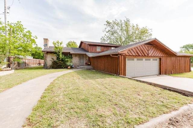 402 Jennings Street, Nocona, TX 76255 (MLS #14282549) :: North Texas Team | RE/MAX Lifestyle Property