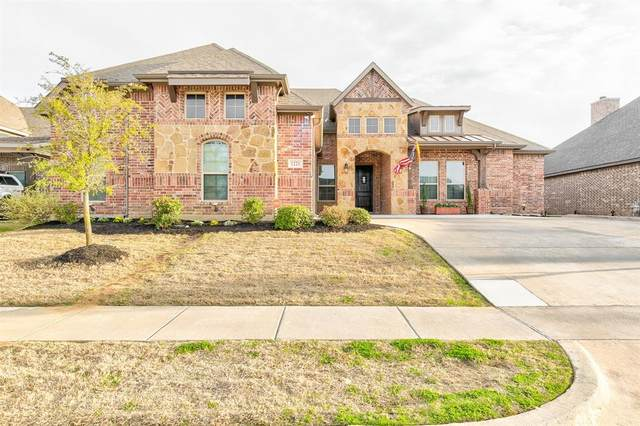 1221 Teton Drive, Burleson, TX 76028 (MLS #14282616) :: The Good Home Team