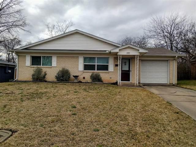 109 N Lynn Avenue N, Denison, TX 75020 (MLS #14282627) :: All Cities Realty