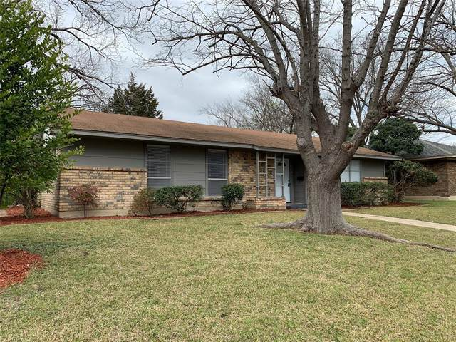 913 Poinsettia Drive, Lancaster, TX 75146 (MLS #14282761) :: The Paula Jones Team   RE/MAX of Abilene