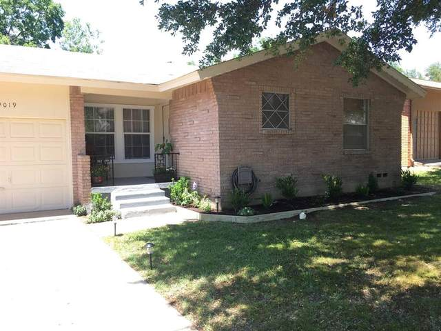 9019 Clearwater Drive, Dallas, TX 75243 (MLS #14282785) :: Trinity Premier Properties