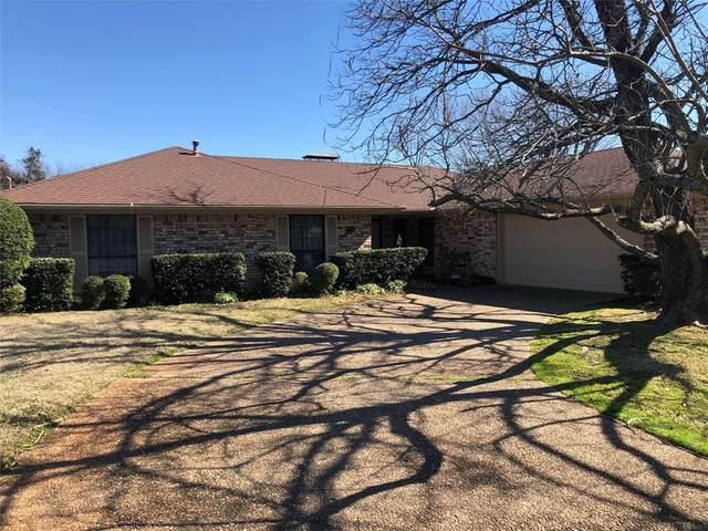 400 Spring Valley Street, Denison, TX 75020 (MLS #14283137) :: Van Poole Properties Group