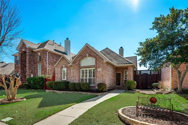 3028 Sawtooth Drive, Plano, TX 75025 (MLS #14283381) :: The Kimberly Davis Group