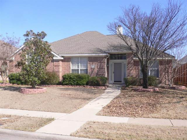 8812 Clear Sky Drive, Plano, TX 75025 (MLS #14283600) :: The Real Estate Station