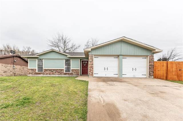 8721 Silver Creek Road, White Settlement, TX 76108 (MLS #14283631) :: The Kimberly Davis Group