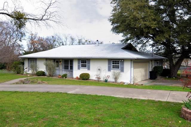 1323 Laredo Drive, Granbury, TX 76048 (MLS #14283755) :: The Mitchell Group