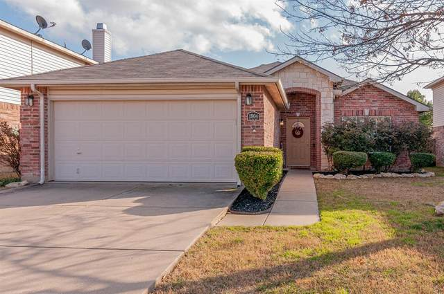 1904 Elk Lake Trail, Fort Worth, TX 76247 (MLS #14284276) :: Team Hodnett