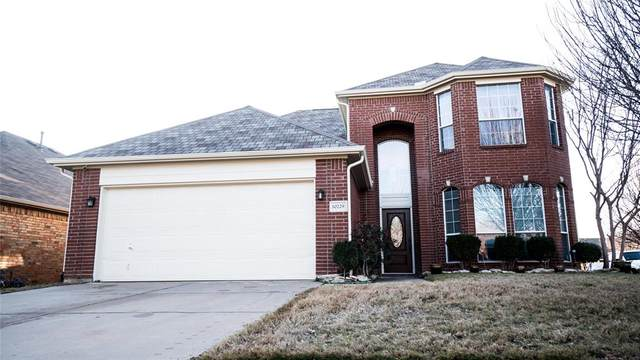 10229 Pear Street, Fort Worth, TX 76244 (MLS #14284533) :: Potts Realty Group