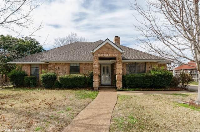 3117 Woodridge Drive, Hurst, TX 76054 (MLS #14284639) :: The Good Home Team