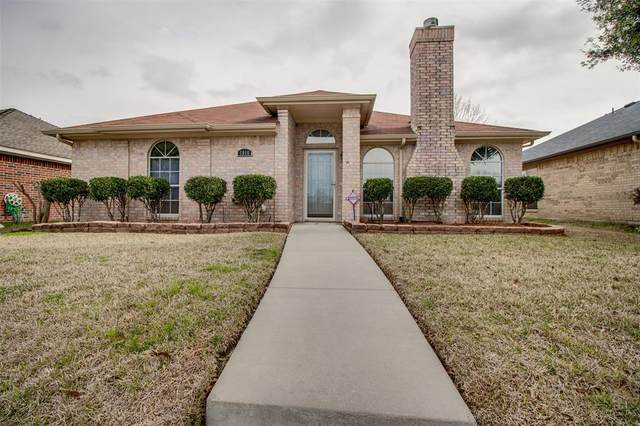 1916 Walden Place, Mesquite, TX 75181 (MLS #14284664) :: Real Estate By Design