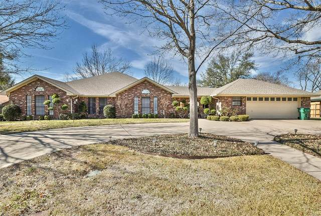 2321 W Mimosa Lane, Stephenville, TX 76401 (MLS #14284715) :: The Chad Smith Team